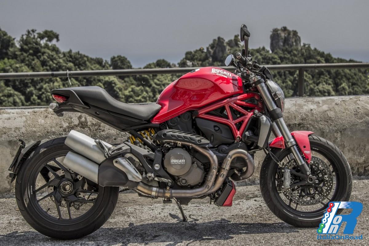 Testride Nuovo Ducati Monster 1200 tra le curve di Maiori
