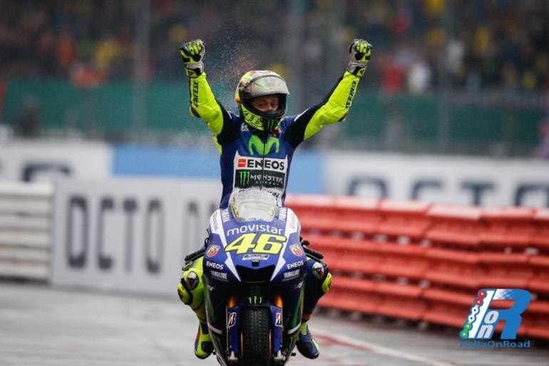 MotoGP: Rossi domina Silverstone